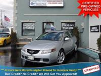 TAKE A LOOK AT THIS METEOR SILVER METALLIC 2005 ACURA