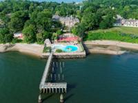 Long Island Sound & iconic city skyline views create a