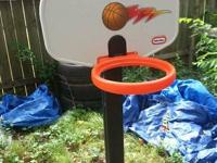 adj basketball goal  10.00 missing net but in great