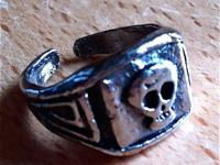 Adjustable Alloy Skull Style Ring Goth ring  -Wear for