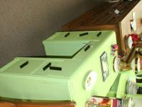 I am selling this adorable painted green desk that has
