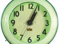.NEON CLOCK COLLECTOR VISITING LOUISIANA FOR A FEW