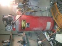 Conpresor 60 galones usado solo en pocas ocasiones esta