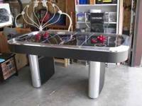 Air hockey table in good condition, all works -