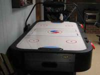 Air Hockey Table, Made by Sport Craft. Excellent