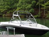 This 2004 226 Air Nautique Limited is a remarkable