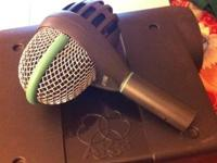 Great condition microphone, everything works, normal