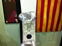 Alibi 156cm Snowboard with Burton bindings. Board is