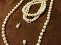 Handcrafted necklace and set of pearl necklace,