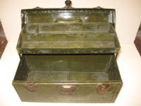 All metal tackle box with 1 inner tray in good