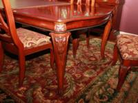 Description Beautiful Chippendale solid wood dining