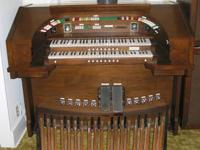 Allen organ for sale. Model 460TH. Two large external