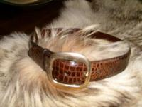 Descripción Beautiful brown 'alligator' belt by COACH -