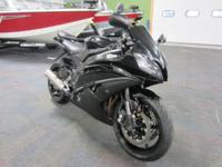 ALMOST LIKE NEW 2012 YAMAHA YZF-R6 WITH ONLY 5,513