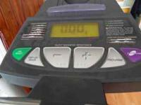 Almost new eliptical in excellent condition, have the