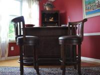 - Barely used! - Brown marble top in excellent