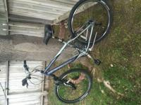 Selling my barely used awesome Trek 700 mountain bike.