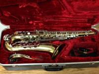 3 Saxophones for sale - all of them need repairs  Alto