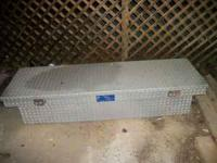Aluminum Diamond plate Truck toolbox with key. This box