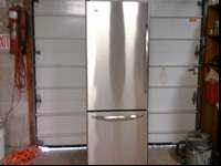 I'm selling this Amana Stainless steel Refrigerator.