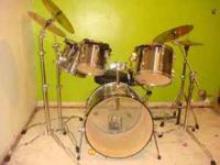 """***AMAZING COMPLETE DRUM SET..LIKE NEW***FOR SALE"""