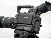 This Panasonic AG-Af100 SLR Cinema HD Camera is Hands