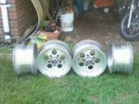 i have 4 alumminum american racing rims that fit 15""