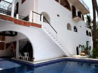 Fabulous rooms in large Hacienda...located in a