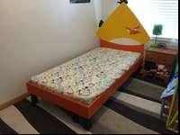 Twin Angry Bird bed, hand made and painted! In an