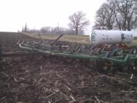For Sale: John Deere 610 chisel plow with anhydrous