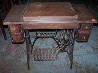 1910 Model 28 Singer Sewing Machine Mechanical Sold as
