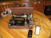 Antique Singer portable sewing machine (model 115)-very