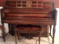 Lovely 1920's upright piano $400 obo call  to view or