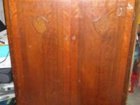 This is a really great Armoire andf great condition for