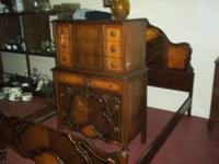 3 PIECE ANTIQUE BEDROOM SUIT. INCLUDES HEAD BOARD, FOOT
