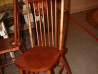 Great set of 4 oak chairs, very vintage and simple to