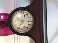 THIS IS AN ANTIQUE NEW HAVEN CO. CHIME MANTLE CLOCK. IT