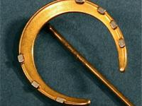 Antique Gold Horseshoe Good Luck Hat Tie Stickpin