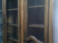 Stunning Vintage Maple Wood Traditional China Cabinet