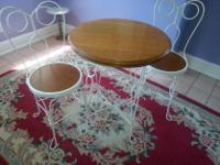 Antique ice cream table and chairs in excellent