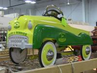Classic metal children's pedal car. Measures
