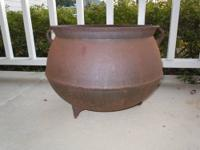 ANTIQUE LARGE CAST IRON HANGING FOOTED CAMP FIRE KETTLE