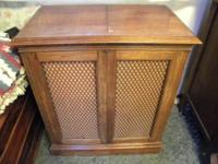 Nice looking Antique Radio.  The radio works well, with