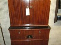 Here is a rare and nice mahogany antique doctors