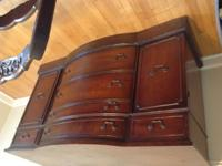 Antique China hutch and buffet Mohagony High quality