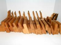 This is a large group of very nice moulding planes. All