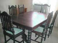 Beautifully carved Antique Oak Dining Table with six