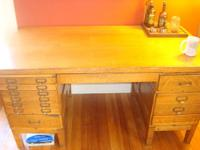 Very nice condition oak desk. Extremely solid, and well