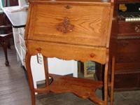 BEAUTIFUL ANTIQUE OAK DROP FRONT DESK WITH ONE DRAWER