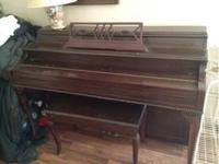 Antique oak piano for sale, great shape, 1 owner, fully